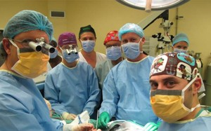 Supposed head transplant operating doctors